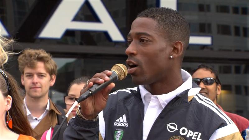adidas: Feyenoord fans sing