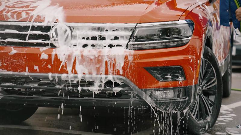 Volkswagen- Wandering Eyes