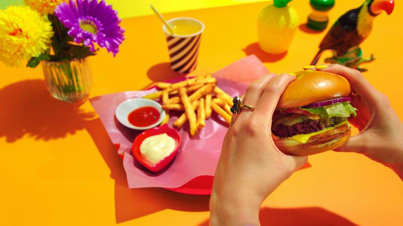 UberEats - Juicy Burger |Cherry Cobra