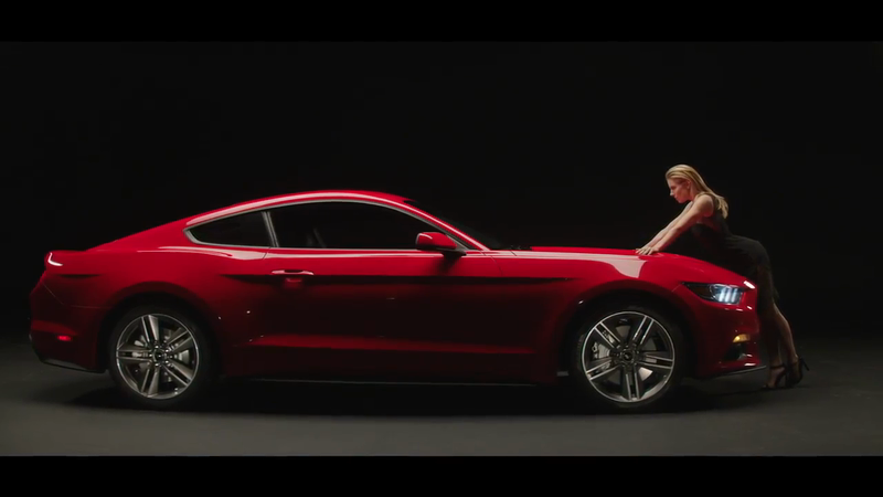 Ford Mustang - Sienna Miller
