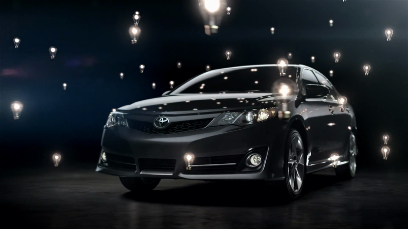 TOYOTA Camry 2012 Features