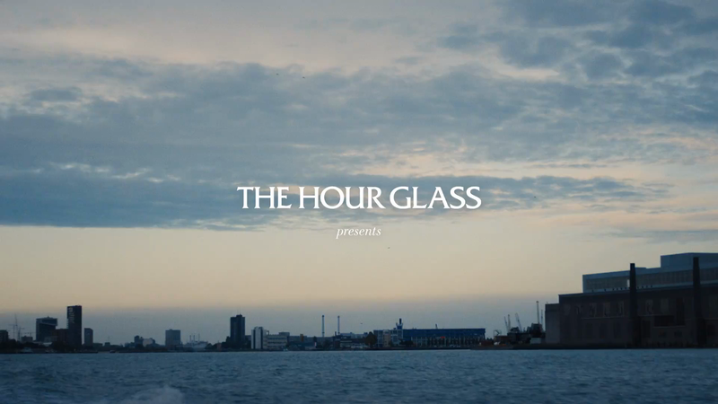 THE HOUR GLASS - Studio Wieki Somers