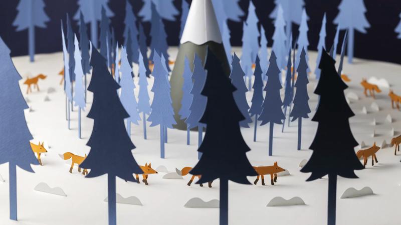 Merry Foxmas:A paper-craft zoetrope